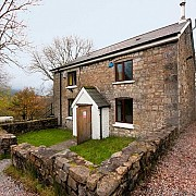 Tyle Morgrug Cottage and Bunkhouse